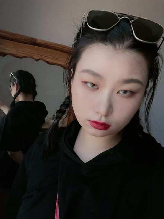 Chùm ảnh: Ngồi nhà buồn buồn tự lôi ảnh ra photoshop mới phát hiện bản thân cũng có tố chất làm hotgirl phết-7