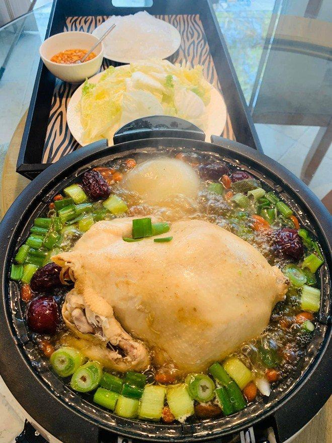 Đổi món mùa dịch, học ngay tuyệt chiêu món gà nghìn like của Thanh Thảo, vợ Đăng Khôi-9