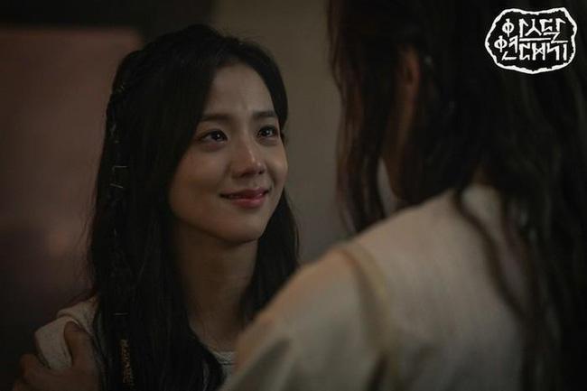 Trong khi Jisoo (BLACKPINK) bị YG ngó lơ thì chị gái lại sắp làm diễn viên, nhìn nhan sắc ai cũng ngỡ như Han Hyo Joo-1