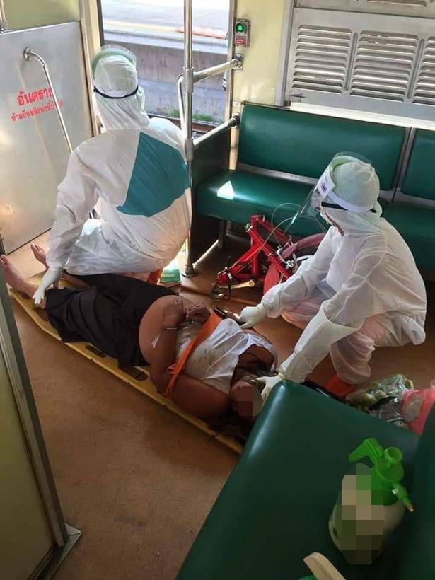VZN News: Người phụ nữ bị nghi nhiễm Covid-19 ngang nhiên đi lại nhổ nước bọt vào hành khách trên tàu-2