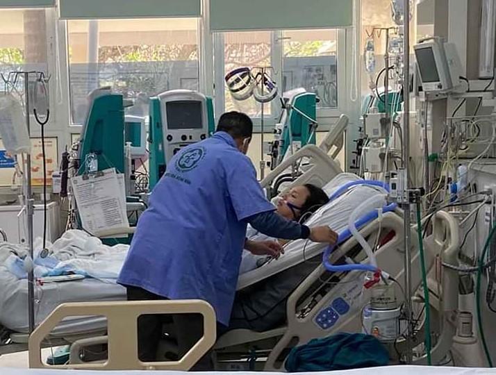Cứu sống sản phụ 2 lần ngừng tim tại bệnh viện cách ly-1