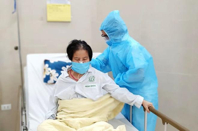 Bạch Mai đề xuất chuyển bệnh nhân âm tính Covid-19 về địa phương-1
