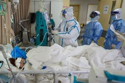 Bác gái bệnh nhân 17 diễn biến nặng, 3 lần ngừng tuần hoàn