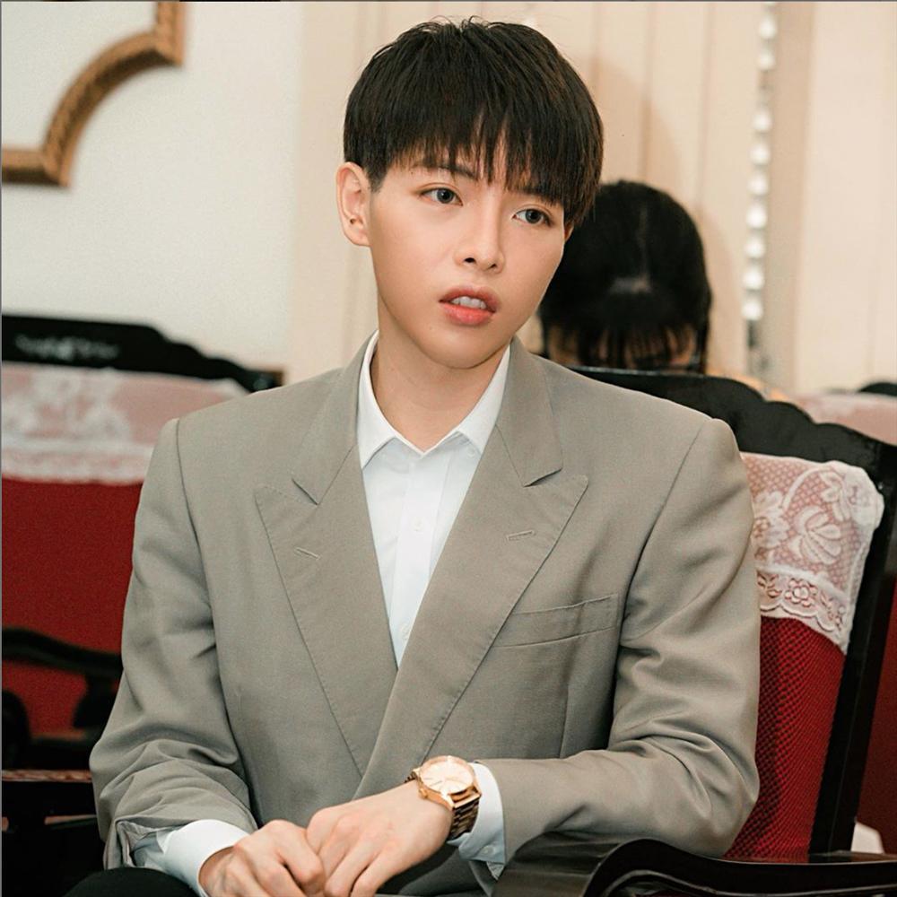 Tai hại mùa Covid-19: Ở nhà xem phim, Đức Phúc cắt tóc theo Park Bo Gum và cái kết hề hước-5