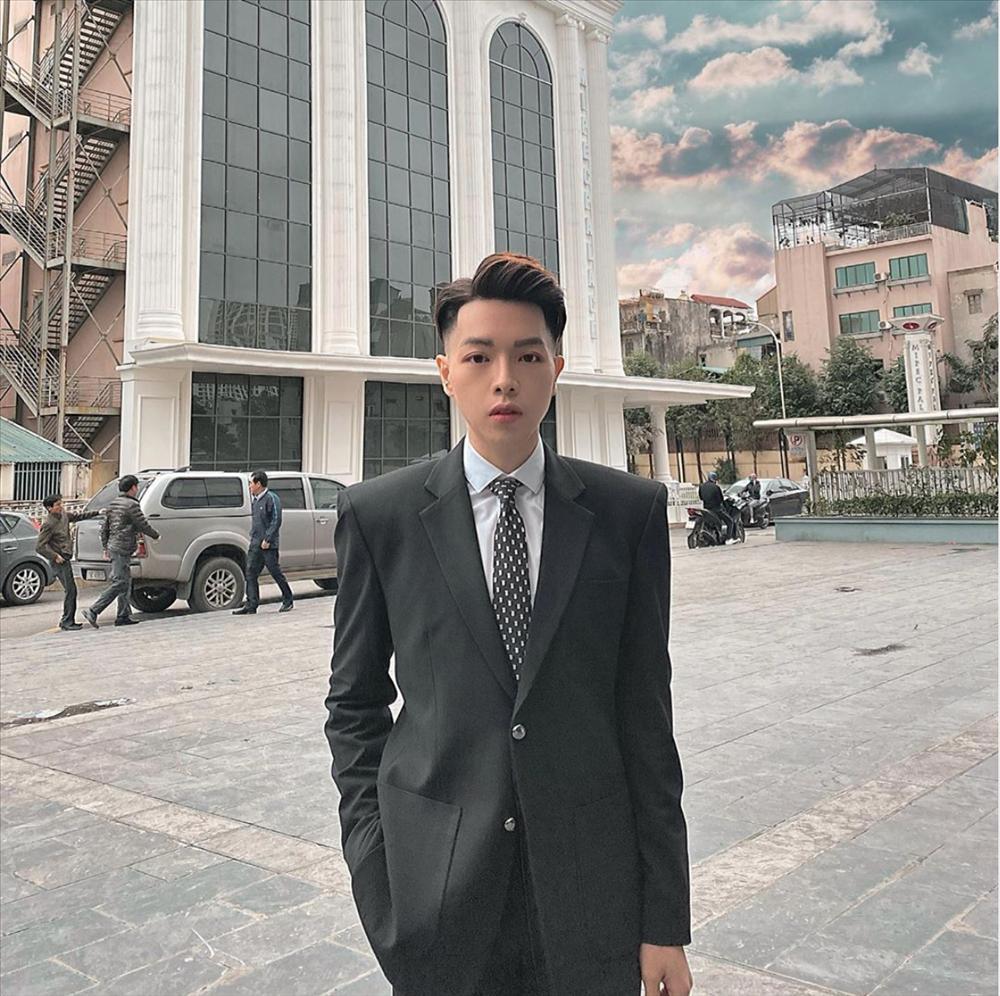 Tai hại mùa Covid-19: Ở nhà xem phim, Đức Phúc cắt tóc theo Park Bo Gum và cái kết hề hước-6