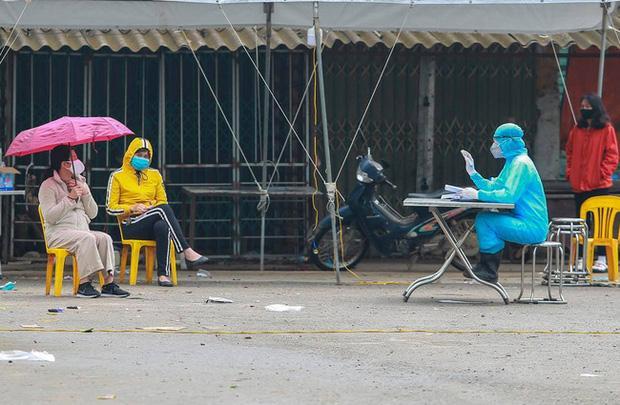 Hà Nội: Phó trưởng công an phường ăn cơm cùng bệnh nhân 243 ở Mê Linh âm tính với Covid-19-1