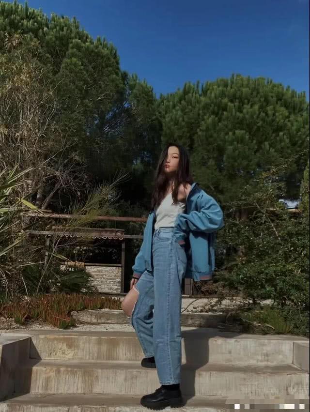 Con gái 13 tuổi của Lý Á Bằng - Vương Phi khoe vóc dáng như thiếu nữ-10