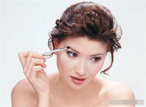 4 lý do khuyên phụ nữ không nên xăm lông mày-3