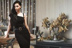 MC Minh Hà gia nhập hội 'ghét bếp không nghiện nhà' với tác phẩm lọ hoa rũ rượi trong căn hộ sang trọng, không ai nhịn nổi cười