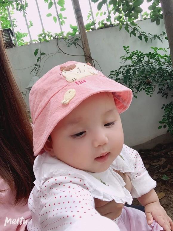 Loạt ảnh mới cực yêu của con gái ca sĩ Ngọc Anh với người tình kém tuổi-1
