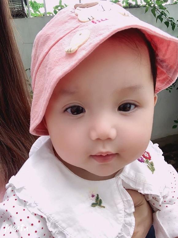 Loạt ảnh mới cực yêu của con gái ca sĩ Ngọc Anh với người tình kém tuổi-6