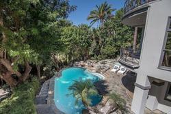 Bên trong biệt thự mới tậu gần 5 triệu USD của Selena Gomez