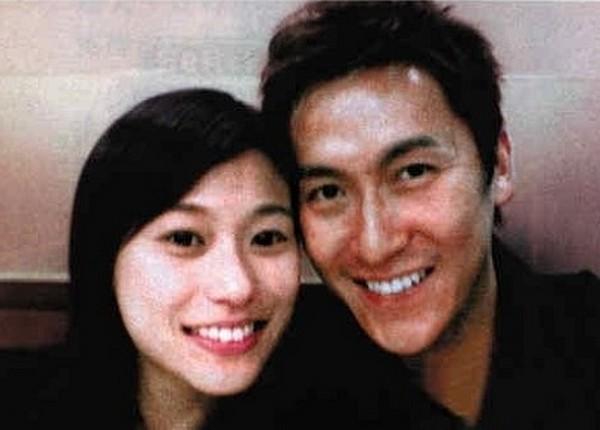 Nam thần TVB một thời lừng lẫy: nhiều lần nổi máu dê sàm sỡ phụ nữ, vợ vẫn rộng lòng thứ tha-7