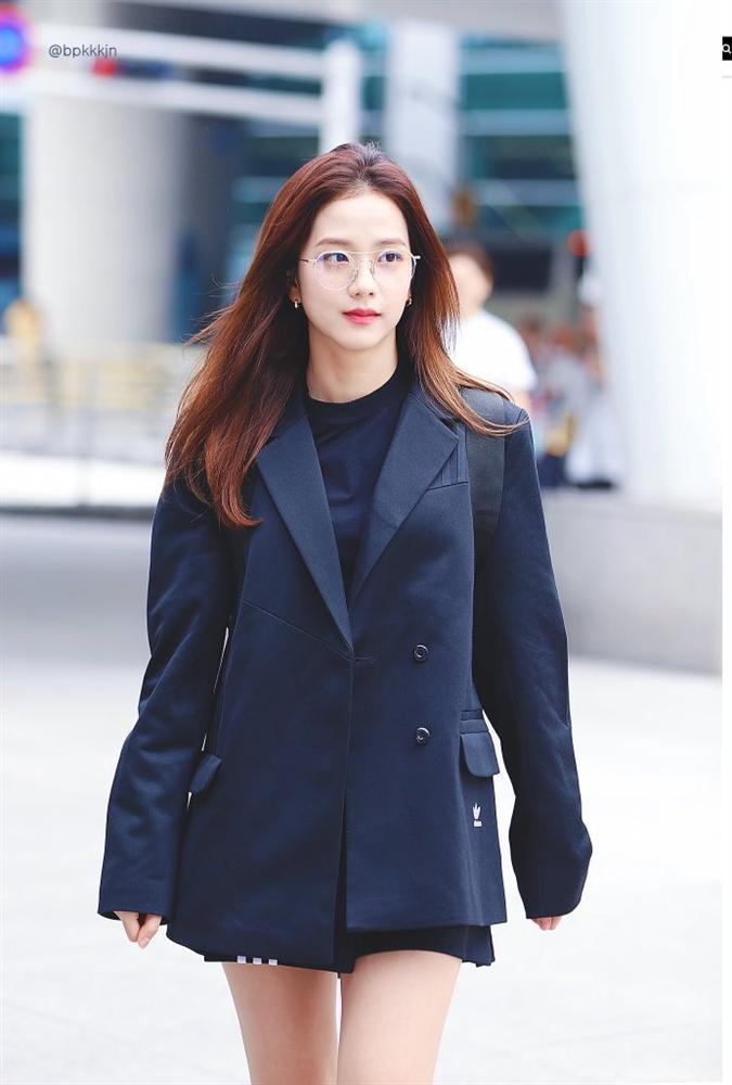 Thực hư chuyện Jisoo (BlackPink) tiếp tục bị đối xử bất công, bay màu khỏi mục diễn viên trên trang web YG Entertainment?-1