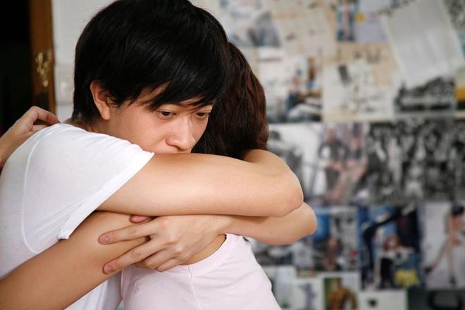 Lương Mạnh Hải đăng ảnh hôn Tăng Thanh Hà trong Đẹp từng centimet-1