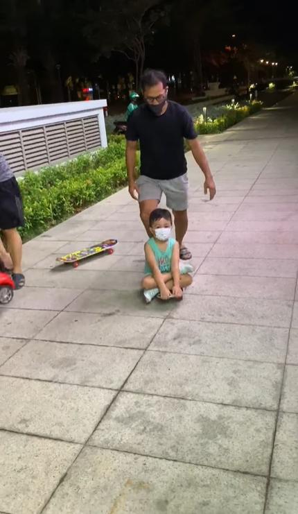 Vợ chồng Huỳnh Đông - Ái Châu bị nhắc nhở gay gắt vì đưa con ra khỏi nhà-2