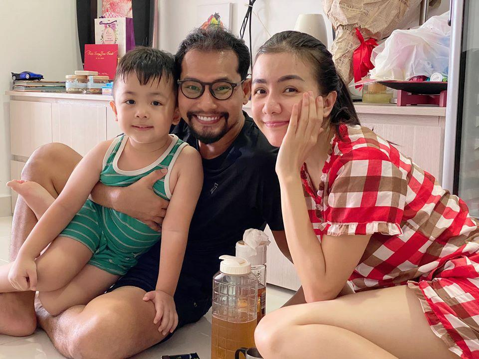 Vợ chồng Huỳnh Đông - Ái Châu bị nhắc nhở gay gắt vì đưa con ra khỏi nhà-4