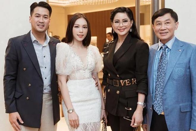 Cuộc tình mặn nồng của Phillip Nguyễn - Linh Rin sau 7 tháng công khai-5