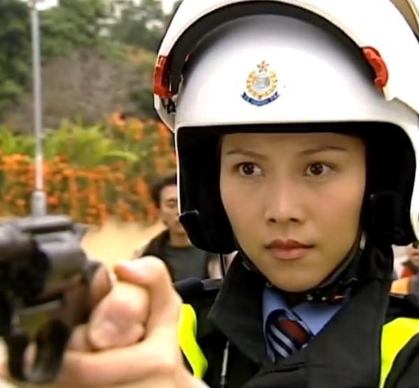 VZN News: Xa Thi Mạn, Tuyên Huyên và những nữ cảnh sát kinh điển trên màn ảnh TVB-4