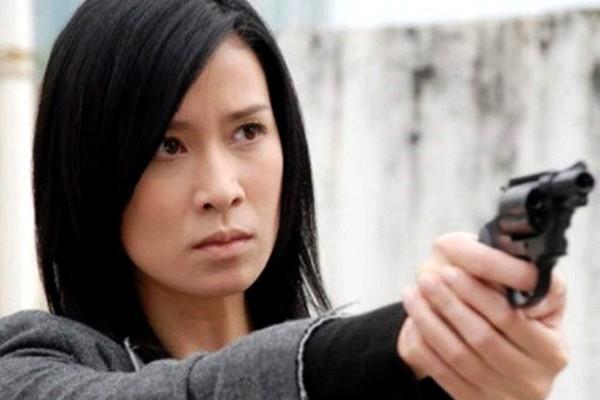 VZN News: Xa Thi Mạn, Tuyên Huyên và những nữ cảnh sát kinh điển trên màn ảnh TVB-7