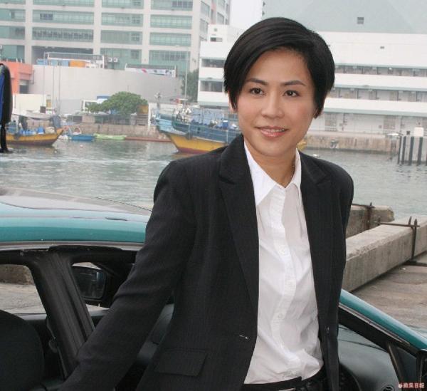 VZN News: Xa Thi Mạn, Tuyên Huyên và những nữ cảnh sát kinh điển trên màn ảnh TVB-9