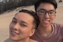 Biết con trai là LGBT, yêu người hơn 11 tuổi, bà mẹ suốt ngày giục... đi lấy chồng