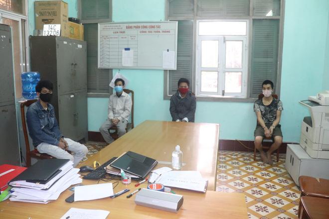 4 thanh niên đánh cán bộ chốt kiểm soát dịch bệnh Covid-19-2