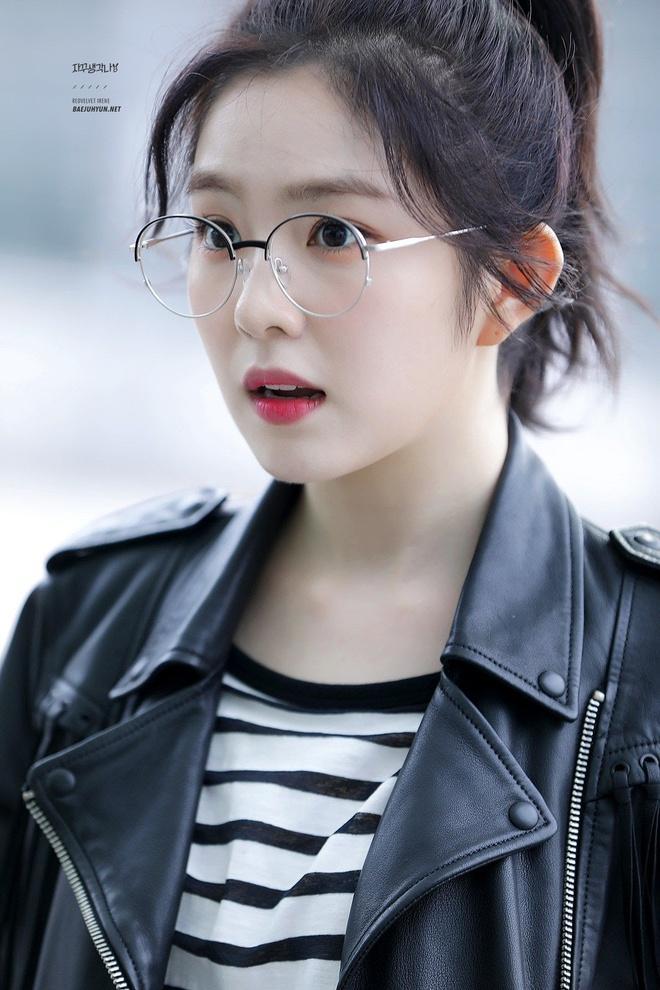 8 sao Hàn trông ra dáng giám đốc giàu có nhất khi đeo kính-3