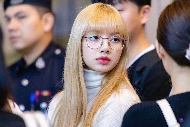 8 sao Hàn trông ra dáng giám đốc giàu có nhất khi đeo kính-6