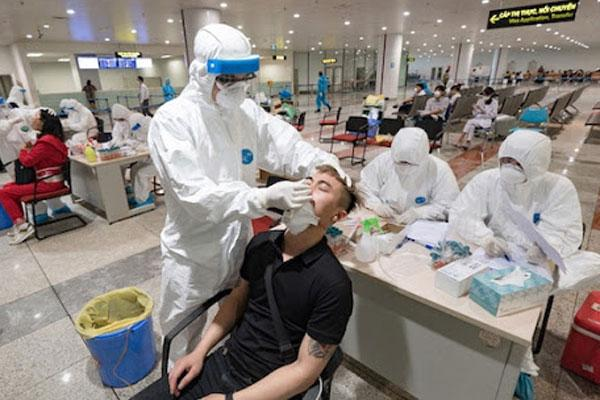 VZN News: Bệnh nhân số 22 dương tính trở lại tiếp xúc nhiều người ở Sài Gòn-1