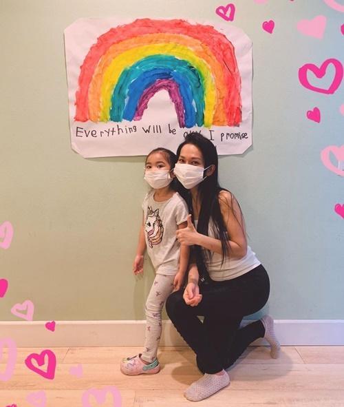 Kim Hiền chăm chồng con giữa dịch-1