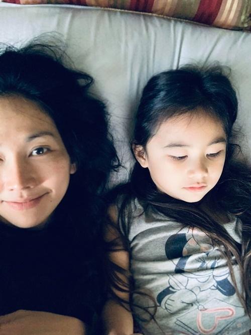 Kim Hiền chăm chồng con giữa dịch-9