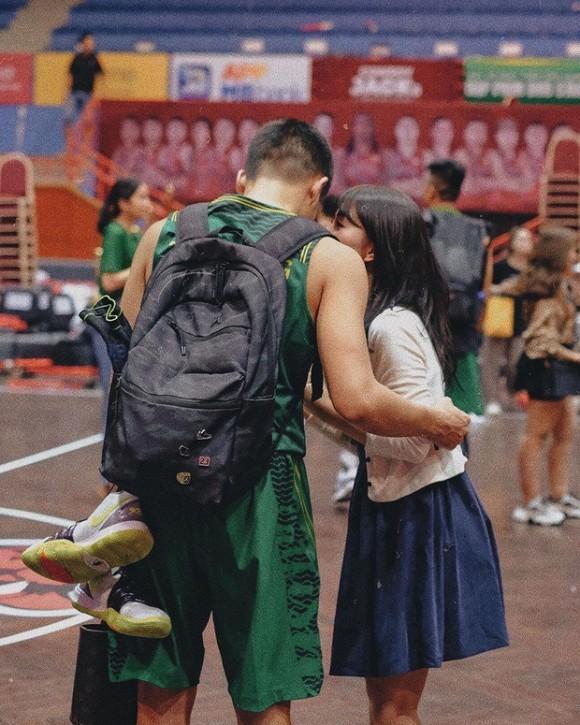 Hotgirl Bộ ba sát thủ Hà thành một thời - Mẫn Tiên công khai hẹn hò với hot boy bóng rổ-2