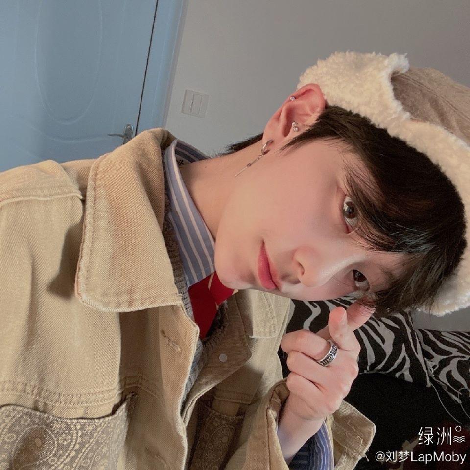 Thực tập sinh nữ Produce 101 bản Trung nổi như cồn vì quá... đẹp trai-6
