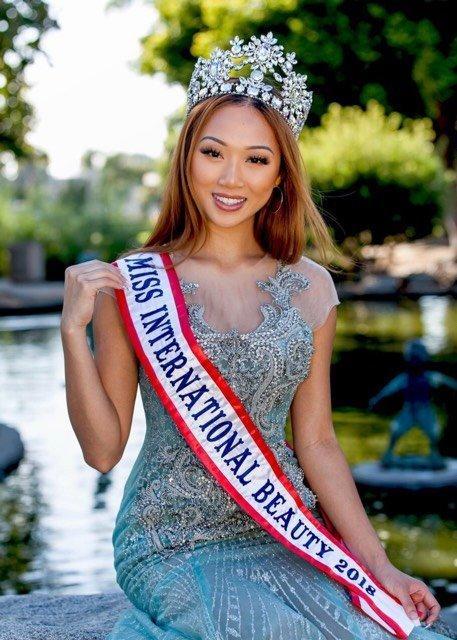 Lễ tang Hoa hậu Việt Nam Toàn cầu không nhận hoa và phúng điếu-1