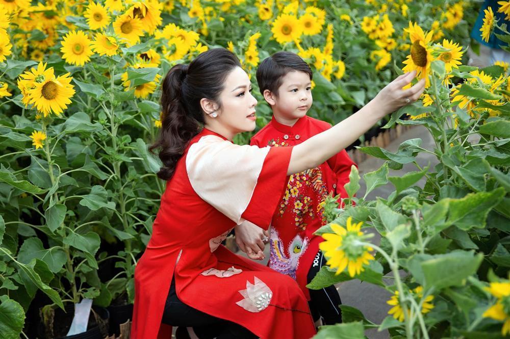 Thủy Tiên, Nhật Kim Anh: Người hạnh phúc, giàu sang - kẻ hôn nhân lận đận-9
