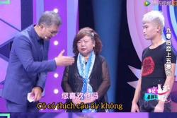 Chàng 'phi công' 28 tuổi cầu hôn bà lão U60 ngay trên truyền hình khiến dân tình dậy sóng