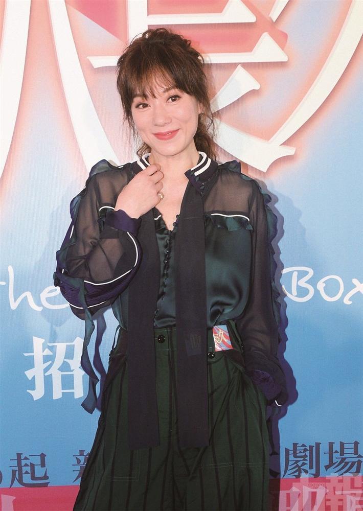 4 ngôi sao bị liệt vào danh sách đen vì dám công khai bóc phốt TVB-2