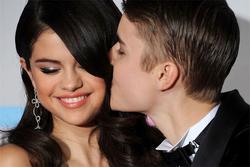 Selena Gomez tàn phai nhan sắc, bệnh tật vì yêu nhầm người