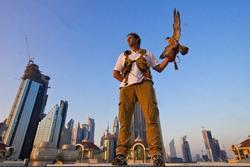 Nghề săn bồ câu trên nóc nhà ở thiên đường mua sắm Dubai
