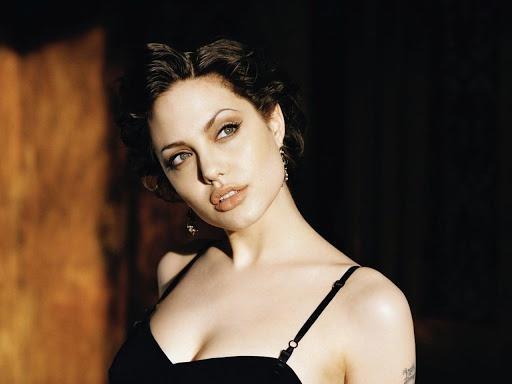Tại sao Angelina Jolie là tiêu chuẩn vàng nhan sắc thế giới?-3