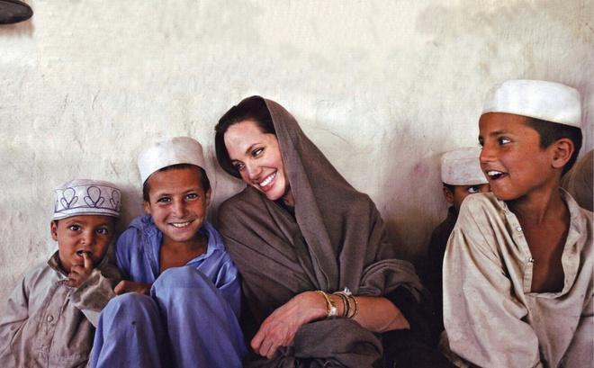 Tại sao Angelina Jolie là tiêu chuẩn vàng nhan sắc thế giới?-6