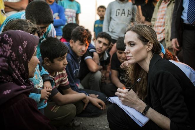 Tại sao Angelina Jolie là tiêu chuẩn vàng nhan sắc thế giới?-7