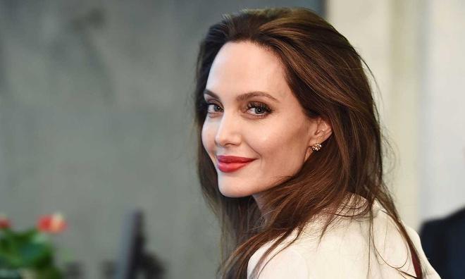 Tại sao Angelina Jolie là tiêu chuẩn vàng nhan sắc thế giới?-10