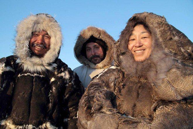 Tộc người sống ở nơi băng tuyết phủ quanh năm: Không hôn nhau vì sợ dính chặt môi-3
