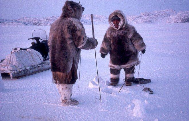 Tộc người sống ở nơi băng tuyết phủ quanh năm: Không hôn nhau vì sợ dính chặt môi-8