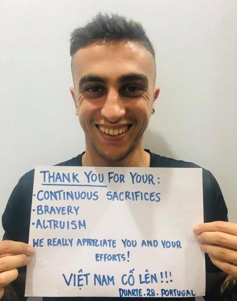 Người nước ngoài đồng loạt nhắn 'Cảm ơn Việt Nam' giữa mùa dịch-5