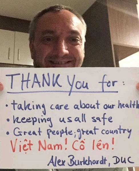 Người nước ngoài đồng loạt nhắn 'Cảm ơn Việt Nam' giữa mùa dịch-10