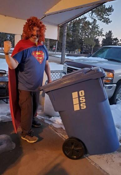 Trào lưu lên đồ, ăn mặc lồng lộn chỉ để đi đổ rác giữa dịch Covid-19-4