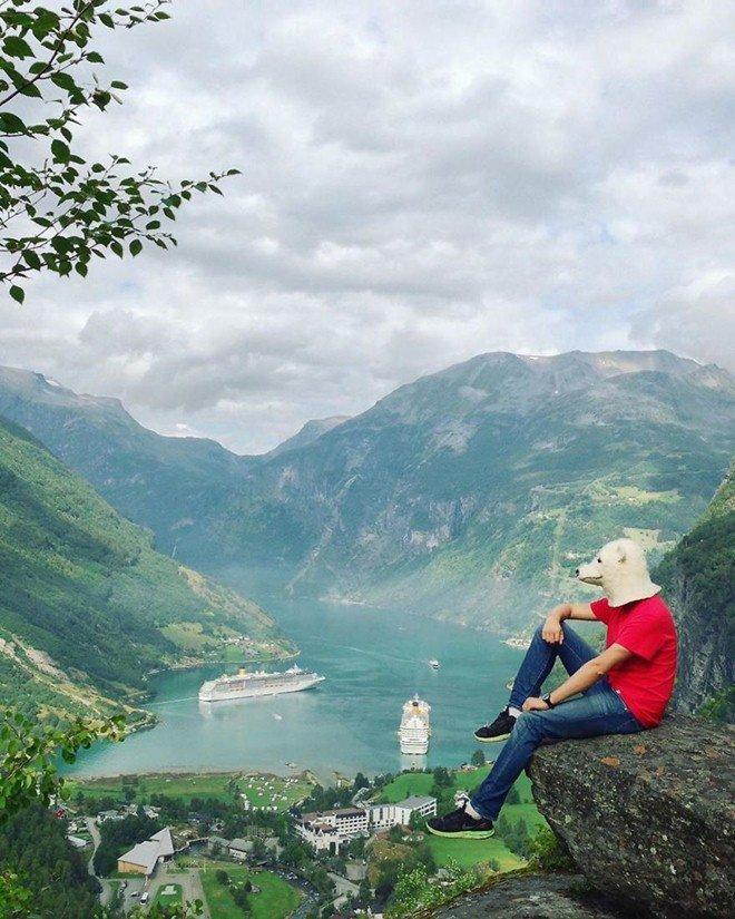 Sốt xình xịch với bộ ảnh du lịch trong nhà mùa dịch của ông bố trẻ điển trai-11